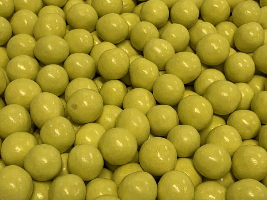 Suklaalakurae - kuorrutettu lakurae suklaatäyte - Karkkikuja
