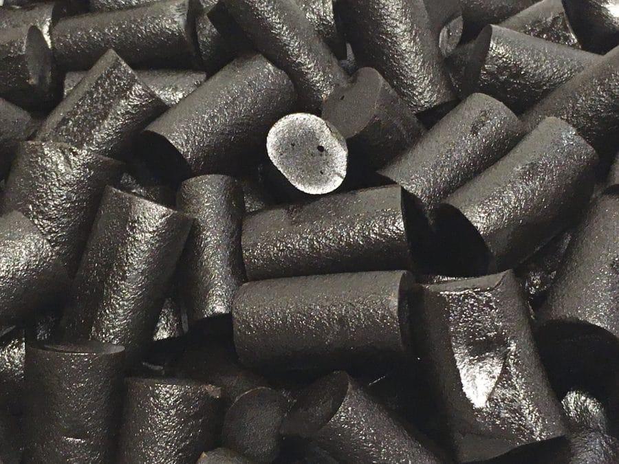 Kouvolan Lakritsi - pehmeä musta lakritsipala - Karkkikuja