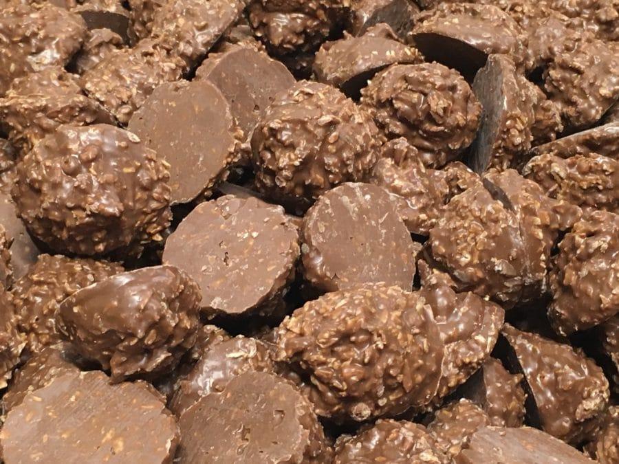 Suklaakookos Cluster - kookos maitosuklaa - Karkkikuja