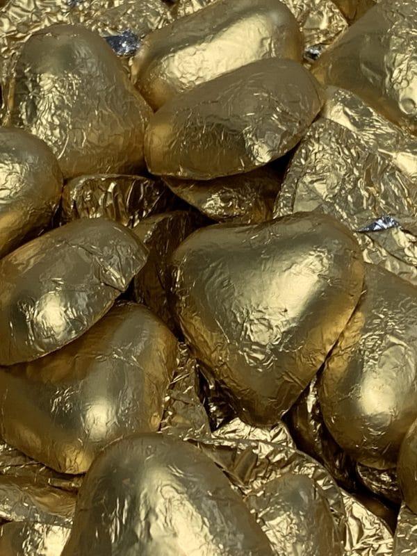 Suklaasydän - yksittäispakattu kullan värinen hääkarkki sydän - Karkkikuja