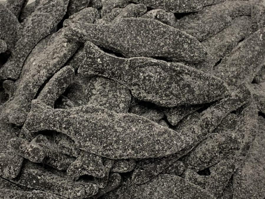 Salmiakkilohi - kirpeä salmiakkikala - Karkkikuja
