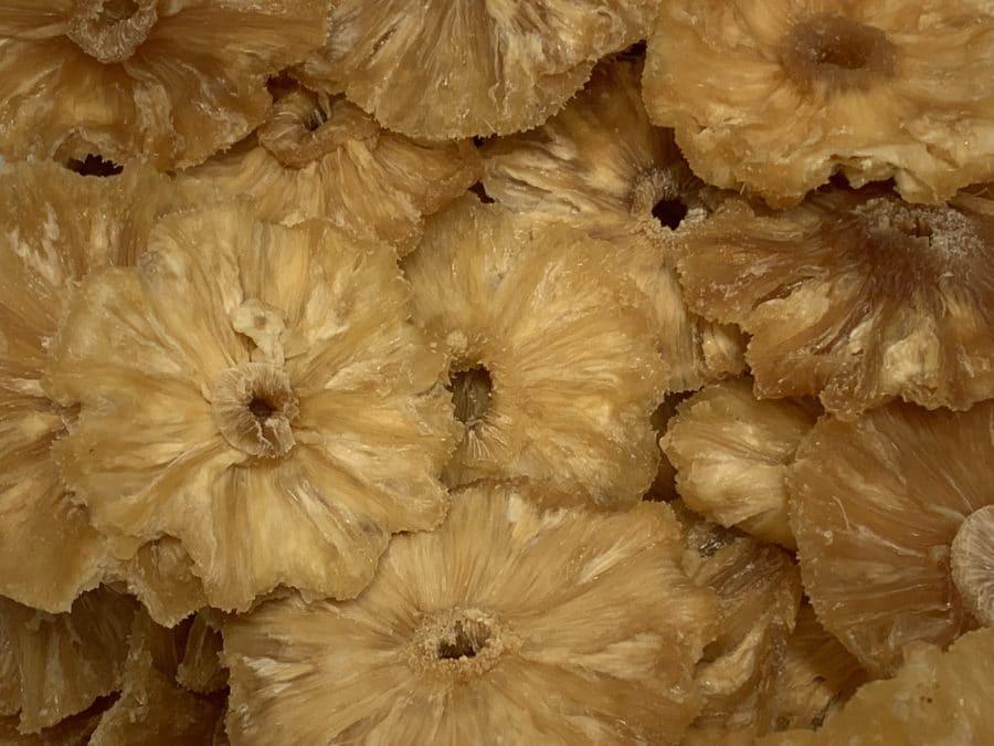 Ananasrengas Sokeroimaton - kuivattu ananas - Karkkikuja