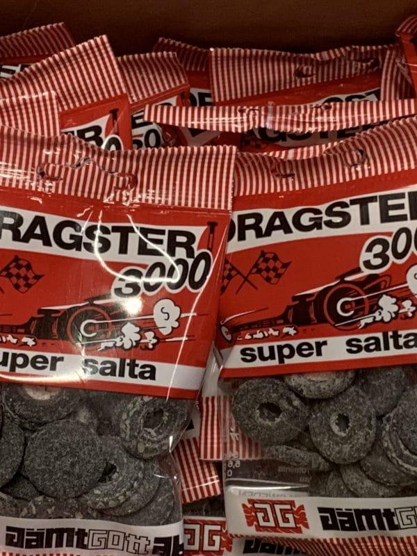 Dragster 3000 Salmiakki - suolainen autonrengas - Karkkikuja